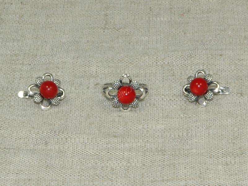 Комплект кольцо и серьги из красного коралла